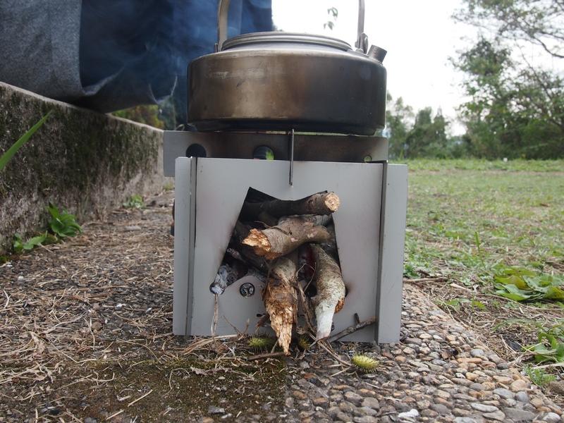 【自作ネイチャーストーブ】ウッドガスストーブより使いやすい?!コンパクトネイチャーストーブの焚火